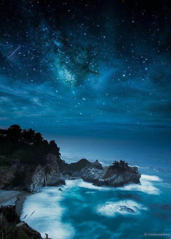 sky,atmosphere,horizon,night,ocean,
