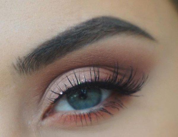 eyebrow, eye, turquoise, aqua, eyelash,