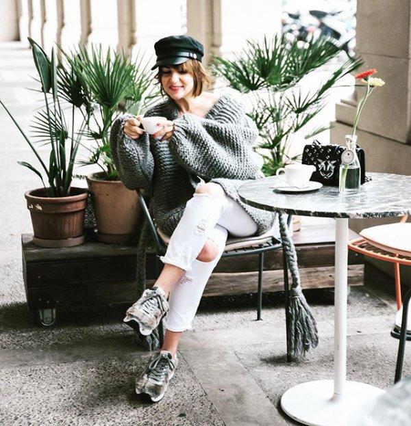Clothing, Fur, Street fashion, Fashion, Footwear,