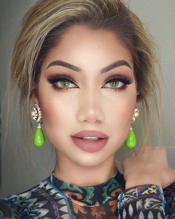 color, eyebrow, hair, green, eyelash,