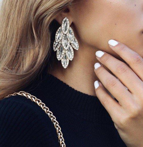 jewellery, fashion accessory, organ, chain, hand,