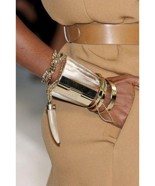 Bracelet, Bangle, Jewellery, Beige, Fashion accessory,