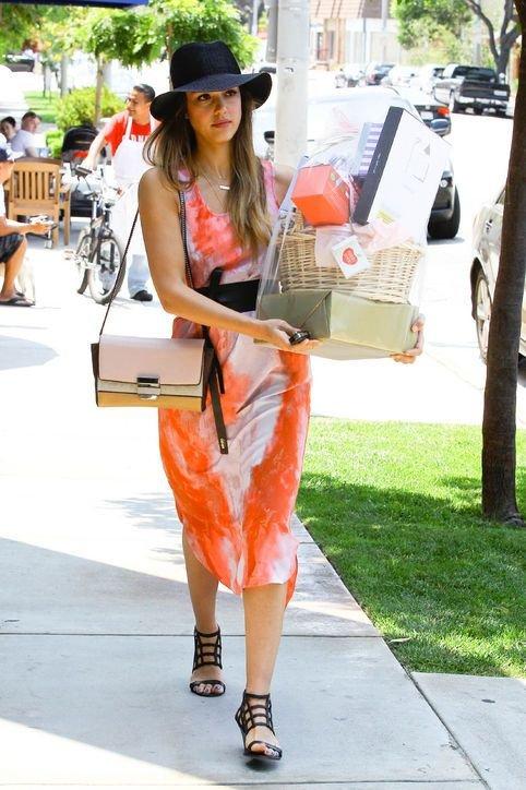 Jessica Alba Wears Hers for Running Errands