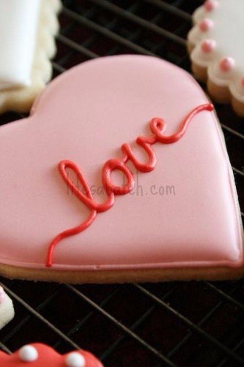 food,pink,dessert,cake,sugar paste,