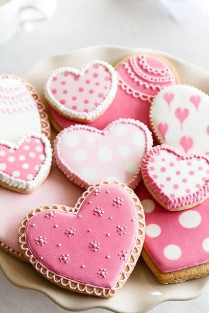 pink,food,heart,dessert,icing,