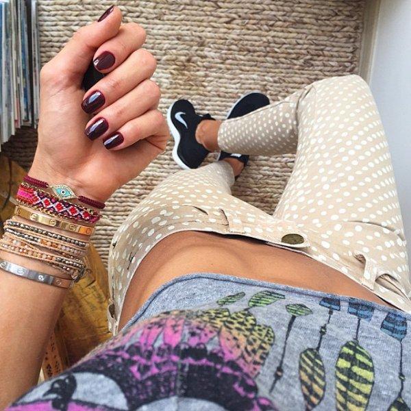 leg, thigh, furniture, hand, pattern,