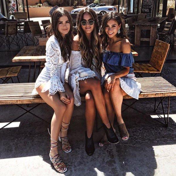 clothing, footwear, leg, fashion, supermodel,