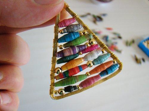 Hue Pyramid-Inspired