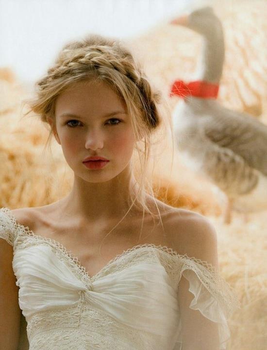 hair,clothing,woman,wedding dress,lady,