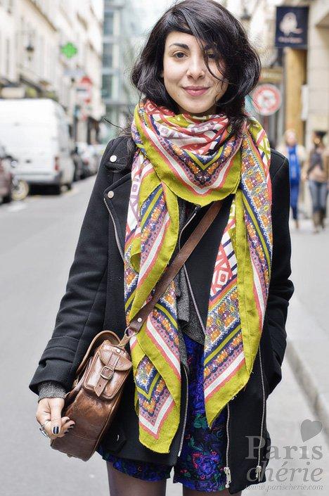 clothing,scarf,outerwear,fashion,fashion accessory,