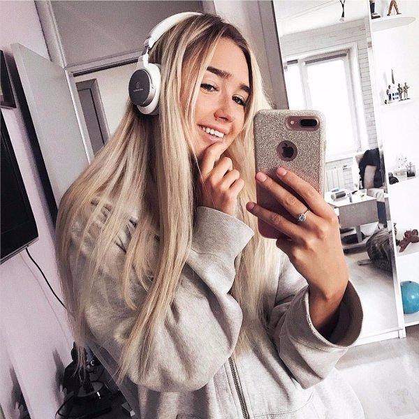 hair, hairstyle, glasses, selfie, hairdresser,