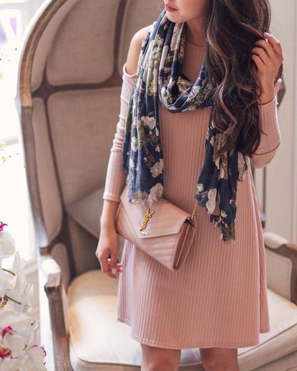 clothing, sleeve, shoulder bag, sleeveless shirt, blouse,