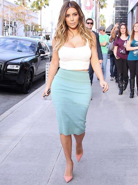 KK Proves That Curvy Girls CAN Wear Crop Tops