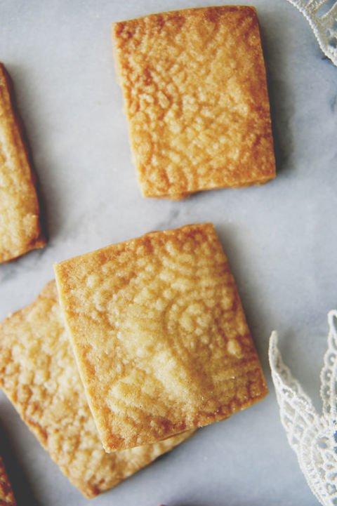 toast, baked goods, cracker, saltine cracker,