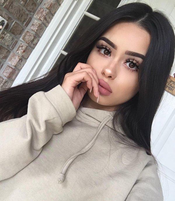eyebrow, human hair color, beauty, black hair, girl,