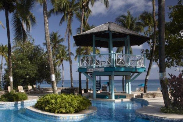 vacation, residential area, estate, condominium, swimming pool,