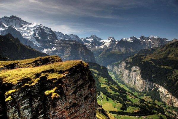 Enjoy the Natural Beauty of Lauterbrunnen Valley