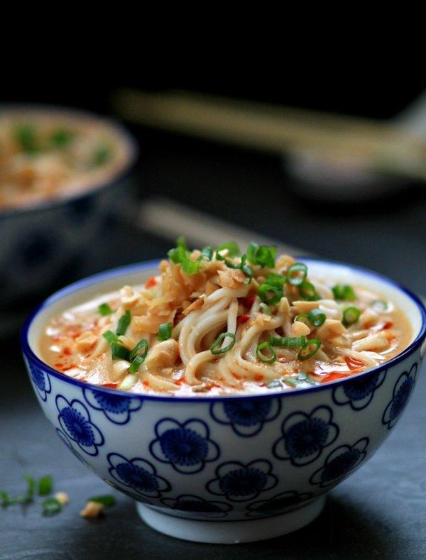 Dàndàn Miàn (Dandan Noodles)