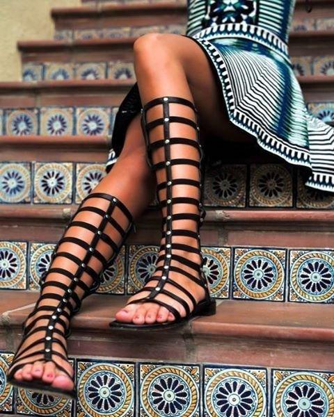 footwear, leg, human leg, thigh, joint,
