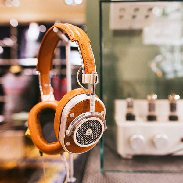 gadget, headphones, product, audio equipment, technology,