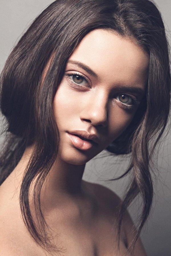 hair,face,black hair,eyebrow,person,