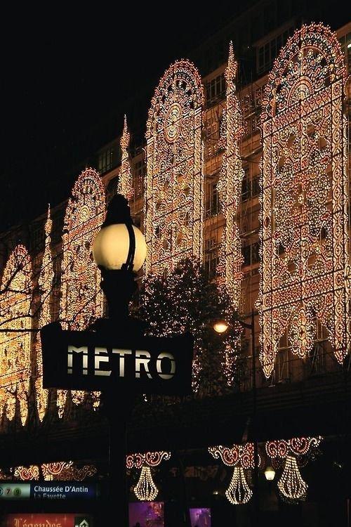 Châtelet,Saint-Germain-des-Prés,lighting,christmas lights,ETRO,