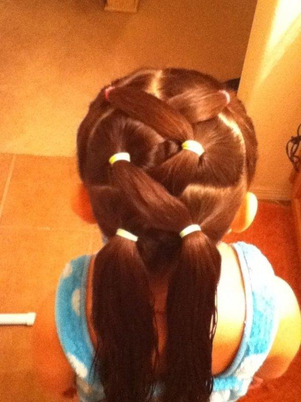 hair,hairstyle,brown,long hair,