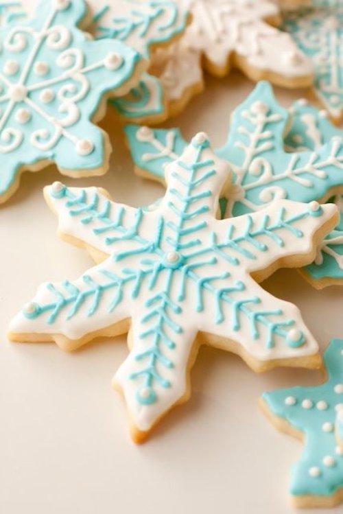 food,dessert,icing,gingerbread,snack food,