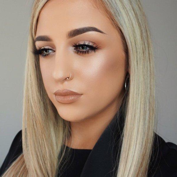 eyebrow, beauty, human hair color, blond, chin,