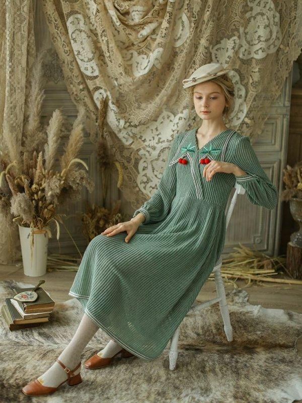 Green, Fashion, Sitting, Dress, Tree,