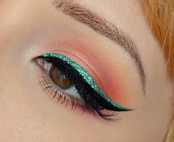 Green Glitter Eyeliner is Fun