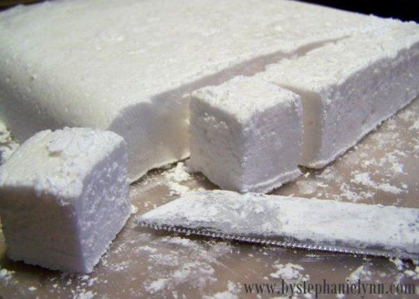 food,dessert,powdered sugar,animal fat,buttercream,