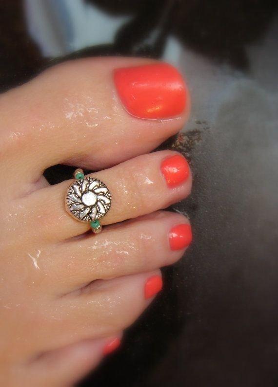 Silver Sunflower Toe Ring