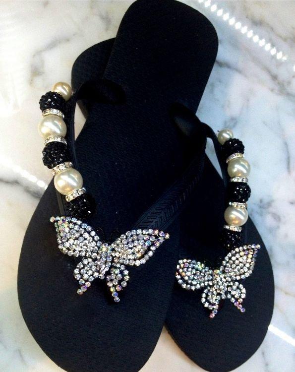 footwear,jewellery,shoe,fashion accessory,art,