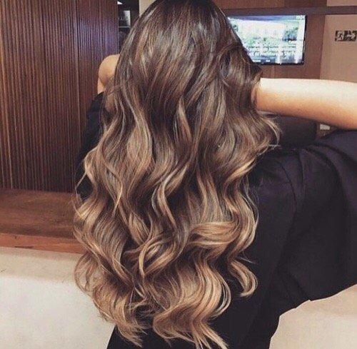 hair,hairstyle,long hair,blond,brown hair,
