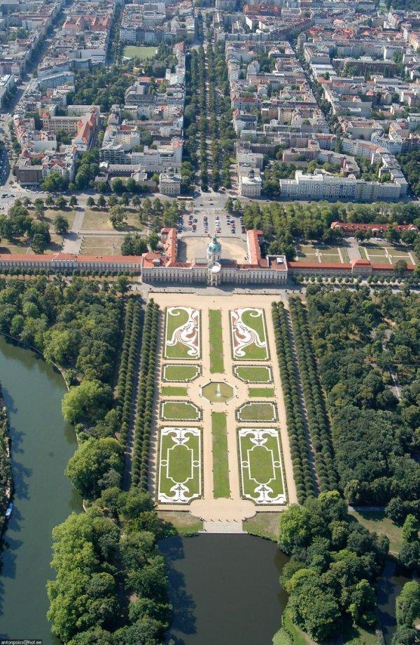 Walk in the Gardens at Schloss Charlottenburg