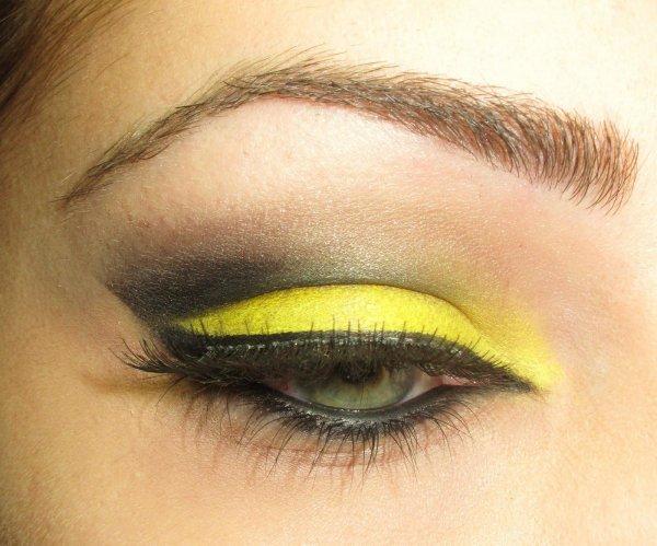 Yellow Lids