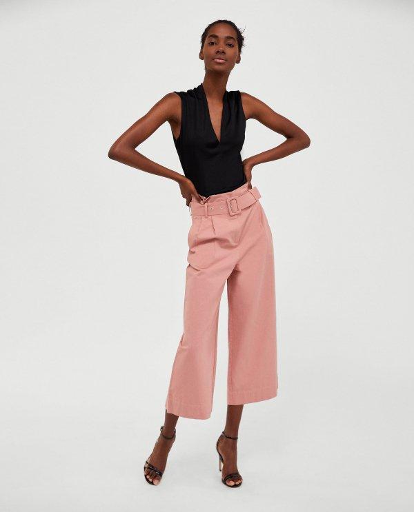 clothing, fashion model, shoulder, waist, standing,