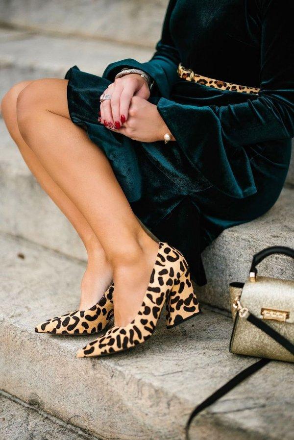 Human leg, Leg, Footwear, Beauty, Fashion,