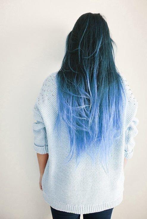 white,blue,clothing,sleeve,fashion accessory,