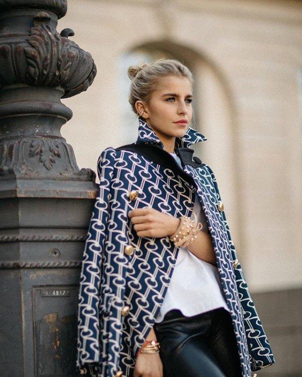 Clothing, Street fashion, Blue, Fashion, Jeans,