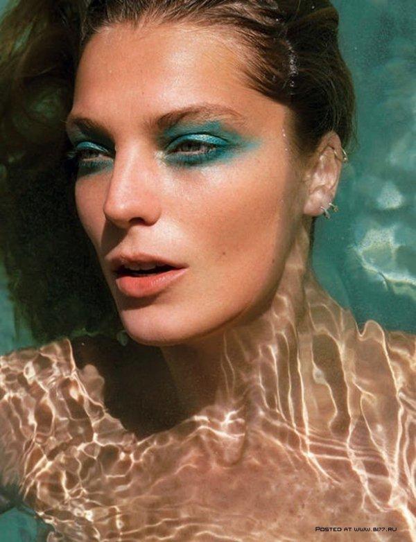 Wear Turquoise Mascara