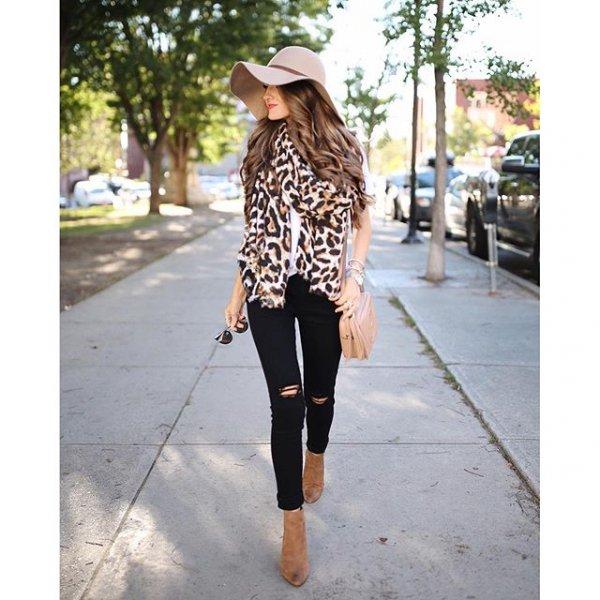 clothing, footwear, outerwear, sleeve, pattern,