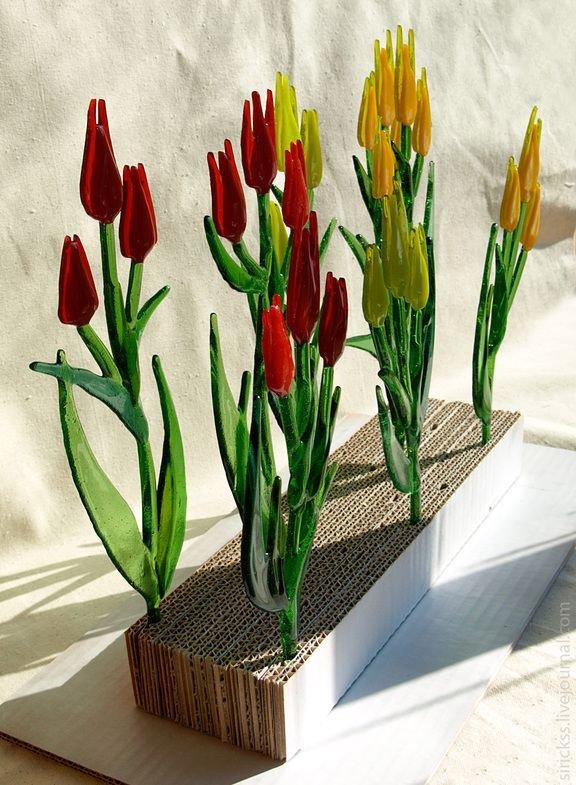 Flower, Flowering plant, Tulip, Flowerpot, Plant,