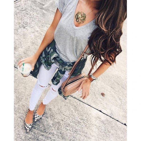 clothing, sleeve, fashion accessory, pattern, footwear,