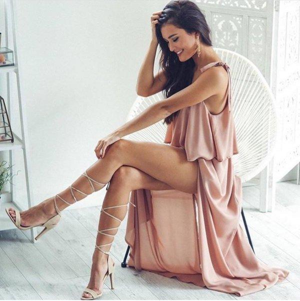clothing, leg, photo shoot, long hair, supermodel,