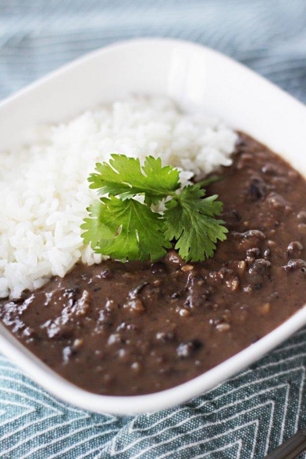 dish, cuisine, hayashi rice, mole sauce, gravy,