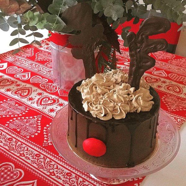 food, dessert, cake, chocolate cake, buttercream,