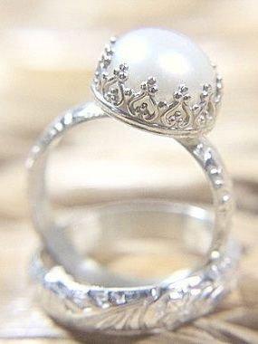 jewellery,ring,fashion accessory,gemstone,wedding ring,