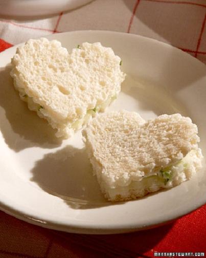 Mini Shaped Sandwiches: Adorable Kids' Lunch Ideas...